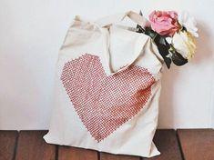 Tutorial DIY: Jak ozdobić haftem torbę na zakupy przez DaWanda.com