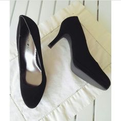 SALE ♥ Worn Once Black Velvet Heels ♥ Only worn once to an event. Accurate women's shoe size 8. Very soft & luxurious black velvet exterior. Excellent condition. Gives a nice classy yet sexy look. Free gift with every purchase. Feel free to ask any questions. Offers and bundles (discount) are always welcome. ❤ Fashion Bug Shoes Heels