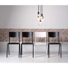 Hanglamp Nova is subtiel door het glas en tegelijkertijd stoer door het metaal. > Kwantum