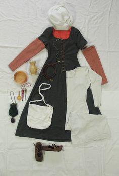 Standard Kleidung und Ausrüstung einer Frau um 1500 in Südwestdeutschland Women's standard look around 1500 in southwestern Germany www.um1504.de
