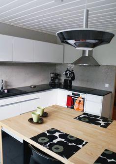 Keittiön välitila Decor, House Design, Furniture, Backsplash, Kitchen, Kitchen Appliances, Kitchen Backsplash Inspiration, Home Decor, Stove Top