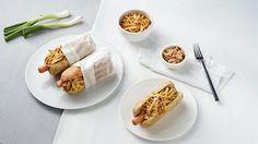 hot dog mustáros-ecetes hagymával és sajtos, sült tojással