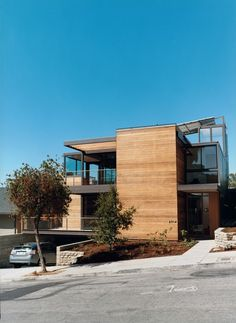 I've got a serious crush going on this house. I love the scale, materials, finishes... I'm giddy just thinking about it.