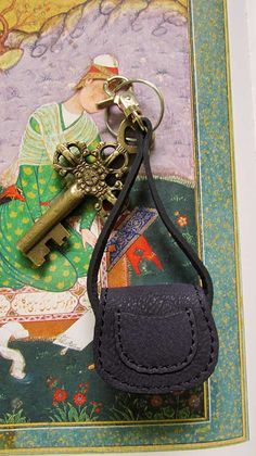 Indigo Mini Gigi, Chiaroscuro, India, Pure Leather, Handbag, Bag, Workshop Made, Leather, Bags, Handmade, Artisanal, Leather Work, Leather Workshop, Fashion, Women's Fashion, Women's Accessories, Accessories, Handcrafted, Made In India, Chiaroscuro Bags - 3