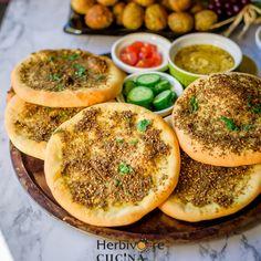 Herbivore Cucina: Manakish Za'atar (Lebanese Flatbread) for Lebanese Recipes, Vegan Recipes, Cooking Recipes, Vegan Food, Lebanese Baked Chicken, Baked Falafel, Yeast Bread Recipes, Israeli Food, Good Food