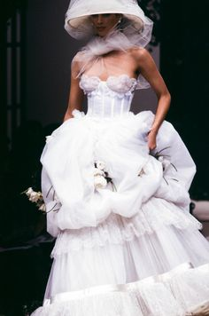 Valentino Garavani reigned supreme as the Emperor of couture for nearly fifty years and his legacy lives on in a string of iconic gowns and a thriving billion dollar empire. We rounded up the best and most iconic Valentino gowns of all time. Valentino Bridal, Valentino Gowns, Valentino Couture, Couture Wedding Gowns, Couture Dresses, Bridal Gowns, Wedding Dresses, Wedding Themes, Haute Couture Paris