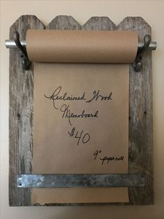 Reclaimed wood memoboard, easy project for the beginner. #WoodProjectsForBeginners