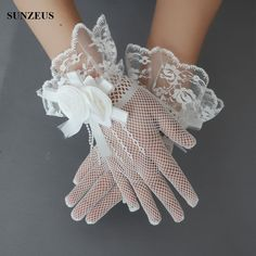 finger bridal glove , short wedding gloves , tulle bridal gloves with lace edge and flowers