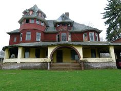 Caledonia Lodge in Canton, PA. Queen Anne Shingle Style circa 1894 built for Daniel Innes pre-restoration