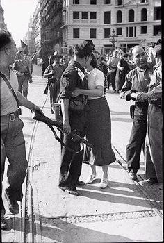 Salida de la columna Garcia Oliver, Barcelona, 25 de julio de 1936. AGUSTÍ CENTELLES