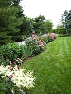 idea, of how I would like my side yard to look!! LOVE, LOVE :)