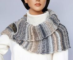 Free knitting instructions for beginners: shawl collar 1 x fixed knit + 3 x differently refined wearable! : Free knitting instructions for beginners: shawl collar 1 x fixed knit + 3 x differently refined wearable! Poncho Knitting Patterns, Easy Knitting, Knitting For Beginners, Knitting Tutorials, Shawl, Knit Crochet, Fashion Design, Craft Work, Inspired Outfits