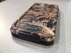 #LifeProof was showing off #Realtree camo versions of its waterproof Fre case for the iPhone 5S.  $89.99 #CES