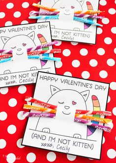 Absolutely adorable free kitten valentine printables from Positively Splendid. The Pixy Stix whiskers are perfect!
