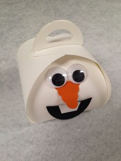 Olaf by Val Kobayashi using Stampin' Up!'s Curvy Keepsake Box Thinlits Die. . .