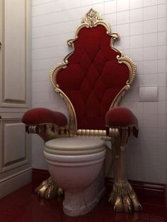 Royal Der Thron royal the throne Cool Toilets, Chic Bathrooms, Small Bathrooms, Interior Design Living Room, Bedroom Decor, Home Decor, Furniture, Toilet Chair, Random Pictures