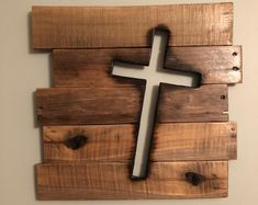 Items similar to Rustic Wooden Cross Sign Distressed Christian Religious Biblical Wall Art on Etsy Wooden Pallet Projects, Wooden Pallets, Small Wooden Projects, Diy Pallet, Pallet Wood, Popular Woodworking, Woodworking Projects Diy, Woodworking Furniture, Woodworking Tools