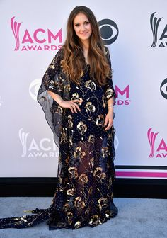 Lauren Daigle Photos - Recording artist Lauren Daigle attends the Academy Of Country Music Awards at Toshiba Plaza on April 2017 in Las Vegas, Nevada. - Academy of Country Music Awards - Arrivals Academy Of Country Music, Country Music Awards, Laura Daigle, Taya Smith, Celebs, Celebrities, Red Carpet Fashion, Fashion Pictures, Star Fashion