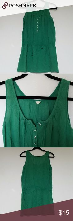 J Crew Summer Top!! Green flowy sleeveless linen top by J. Crew. Gently used and in great condition. Very soft and comfortable. Comes from a smoke-free pet-free home. Fast shipping! NO TRADES! J. Crew Tops Tunics