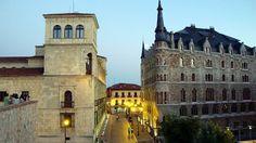 León Palacio de los Guzmanes y Casa Botines