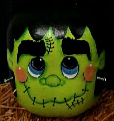 Frankie Gourd (my FAVORITE type of artwork for Halloween, those cute bubble eyes, snub nose, and smiley face! kinda like country prim style art! Halloween Gourds, Halloween Wood Crafts, Halloween Painting, Halloween Items, Fall Crafts, Halloween Crafts, Holiday Crafts, Halloween Decorations, Happy Halloween