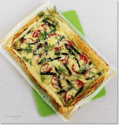 Gizi-receptjei.  Várok mindenkit.: Spárgás-leveles pizza. Vegetable Pizza, Asparagus, Quiche, Favorite Recipes, Vegetables, Breakfast, Food, Morning Coffee, Studs