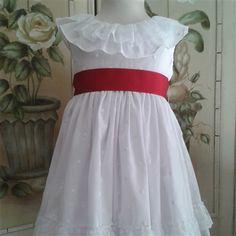 Vestido de bodoque blanco y fajín rojo.  Cubete´s Kids - www.cubeteskids.es