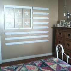 Repurposed fencing and window frame wall flag Vintage Windows, Old Windows, Windows And Doors, Old Window Panes, Window Art, Window Frames, Window Ideas, Old Window Projects, Recycled Windows