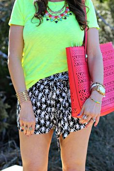 Love this colorful Stella & Dot styled look!  Use the link in my profile to shop these gorgeous accessories!