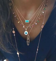 bijoux femme 40 Have a look at our variety of women's jewelry and accessories, including hats, scarv Dainty Jewelry, Cute Jewelry, Boho Jewelry, Jewelry Accessories, Fashion Accessories, Jewelry Necklaces, Jewelry Design, Fashion Jewelry, Women Jewelry