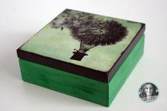 zielone pudełko szkatułka z balonem dmuchawcem decoupage Tissue Holders, Decoupage, Decorative Boxes, Diy, Home Decor, Decoration Home, Bricolage, Room Decor, Do It Yourself