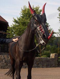 Halloween Dragon Mask for Horses. Horse Halloween Costumes, Halloween Games Adults, Animal Costumes, Pet Costumes, Halloween Party, Vampire Costumes, Scary Halloween, Costume Ideas, Dragon Horse