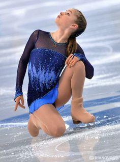 Roller Skating, Roller Derby, Katharina Witt, Yulia Lipnitskaya, Russian Figure Skater, Dancer Photography, Figure Skating Costumes, Ice Girls, Skate Style