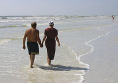 Amish Discoveries: Amish Beach Moment #11