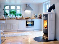 weiße Küche - Kamin - Ofen - fireplace - Contura