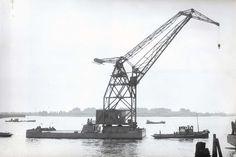 Bnr. 40 (Co. 1008) (1953) 'Drenova' 30 ton Wipkraan foto: Gem. archief Schiedam / Werf Gusto fotograaf: onbekend