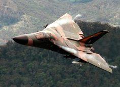Royal Australian AF - General Dynamics Aardvark - Down-n-Low! Bomber Plane, Jet Plane, Military Jets, Military Aircraft, Fighter Aircraft, Fighter Jets, Royal Australian Air Force, Navy Aircraft, Aircraft Pictures