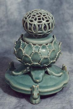 Lotus & Rabbit Incense Burner