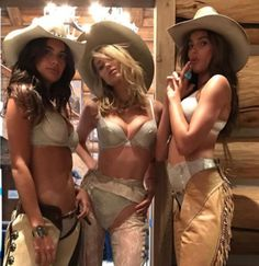 13d841e981cb Victoria's Secret Angels In Stunning Busty Look In Western Style At Aspen  Mountains