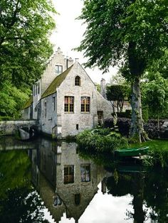House tour: a medieval fairytale house owned by an antique dealer and decorator: A visit to his house, located 10 minutes from the centre of Bruges in the Flemish region of Belgium, is certainly like stepping into another world. Named Rooigem and surrounded by a moat, the property is believed to have originated in the early 13th century as a hunting lodge for a local noble family.