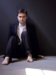 daniel radcliffe first harry potter First Harry Potter, Harry Potter Outfits, Harry Potter Facts, Harry Potter Characters, Harry Potter World, Daniel Radcliffe Harry Potter, Hottest Male Celebrities, Celebs, Cute Kids Photography