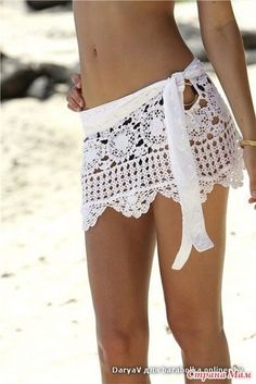 white crochet skirt- inspiration only. Need to find a good pattern for a cover up like this! Tops A Crochet, Col Crochet, Crochet Skirts, Crochet Woman, Crochet Clothes, Crochet Ideas, Crochet Fabric, Lace Fabric, Crochet Patterns