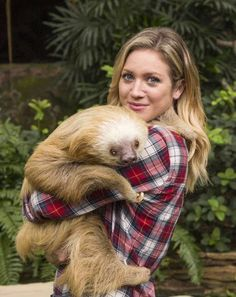Brittany Snow being the adorable human being that she is with this sloth ❤️