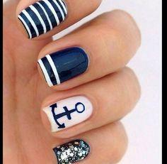Cute anchor nails!⚓️