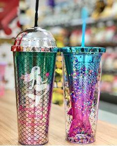 Left or Right? Comment your favorite 🧜♀️💕 ✨via Iced Starbucks Drinks, Copo Starbucks, Custom Starbucks Cup, Glitter Water Bottles, Cute Water Bottles, Glass Water Bottle, Starbucks Taiwan, Tumblr Cup, Mermaid Kids