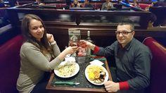 Zoltan și Andrea, tineri ce au ieșit la o cină romantică din banii câștigați recomandând TransferGo