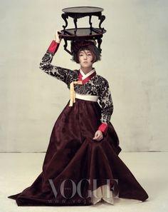 *amazingly pretty Hanbok*