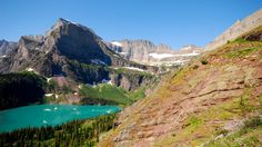 The scenic Glacier National Park in Montana encompasses over 1 million acres and includes parts of two mountain ranges (sub-ranges of the Rocky Mountains), over 130 named lakes, more than 1,000 different species of plants and hundreds of species of animals. (Wikimedia/Distress.bark)