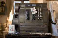 love this old cash register