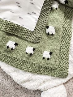 Project Files: Fabric Backed Knit Sheep Baby Blanket, . Project Files: Fabric Backed Knit Sheep Baby Blanket, Diy Abschnitt, Crochet Blanket Patterns, Baby Knitting Patterns, Baby Blanket Crochet, Free Knitting, Quilt Baby, Easy Baby Blanket, Knitted Baby Blankets, Knitting Projects, Crochet Owls